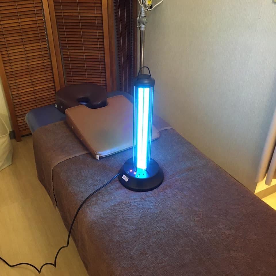 ベッド上の紫外線照射器具
